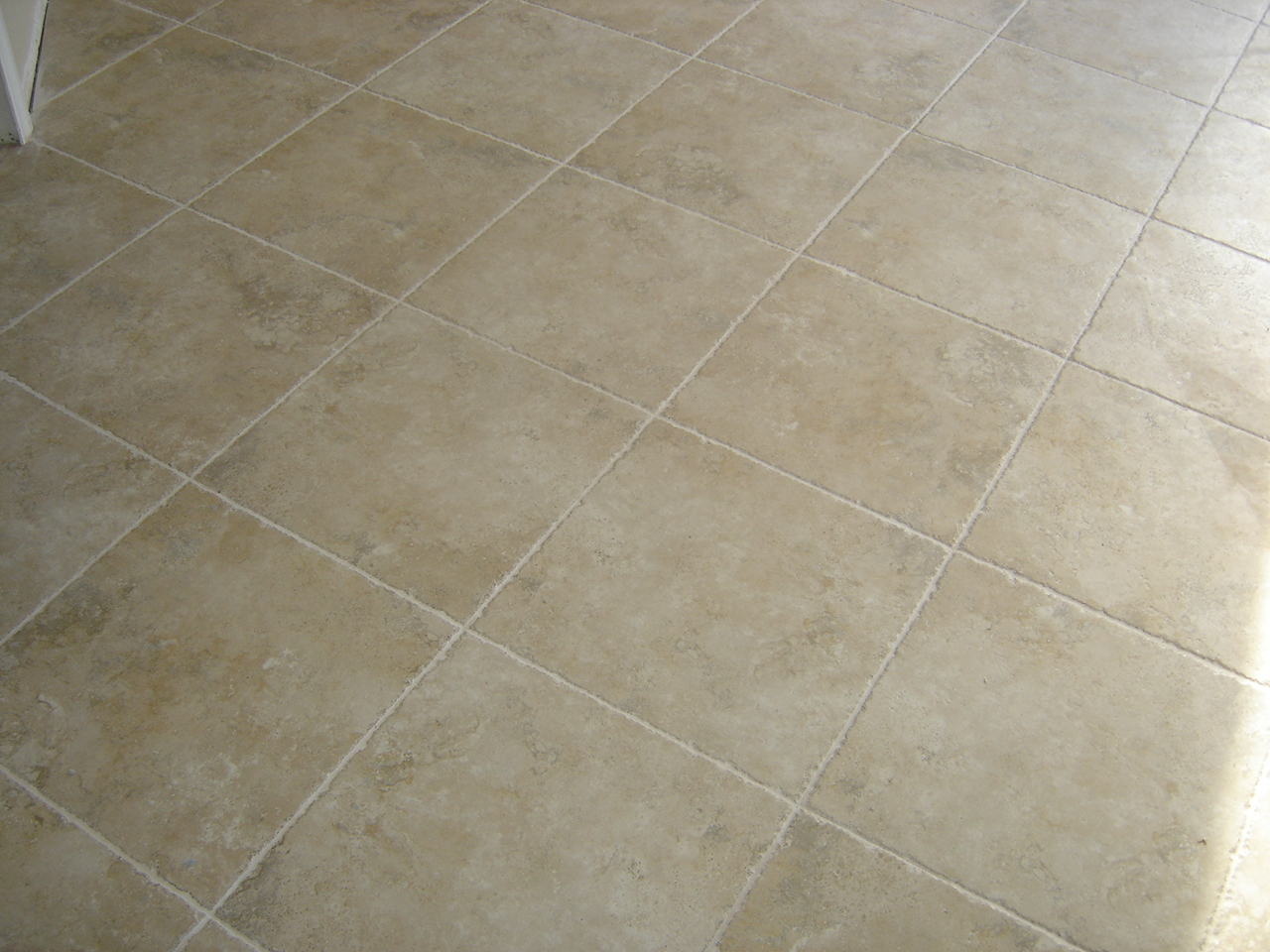Laminate flooring installing laminate flooring grout for Ceramic laminate flooring